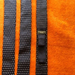 Knit Mens tie with hearts NWOT